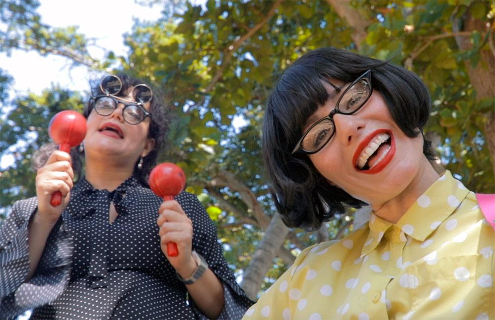Luna y Vecky (Isel Rodríguez y Lourdes Quiñones)